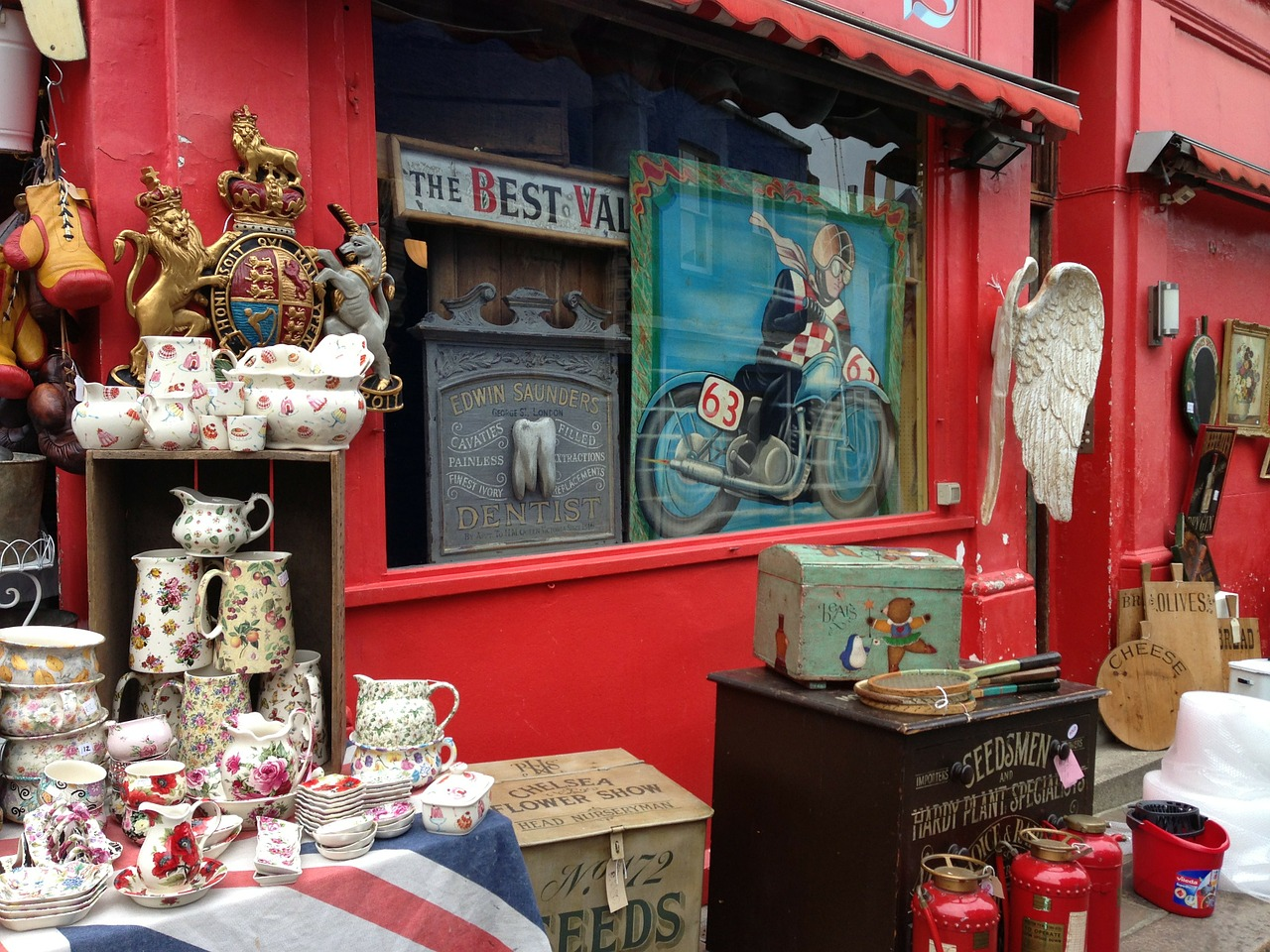 Antiques and collector fairs on the english riviera for Antique fairs and flea markets 2016